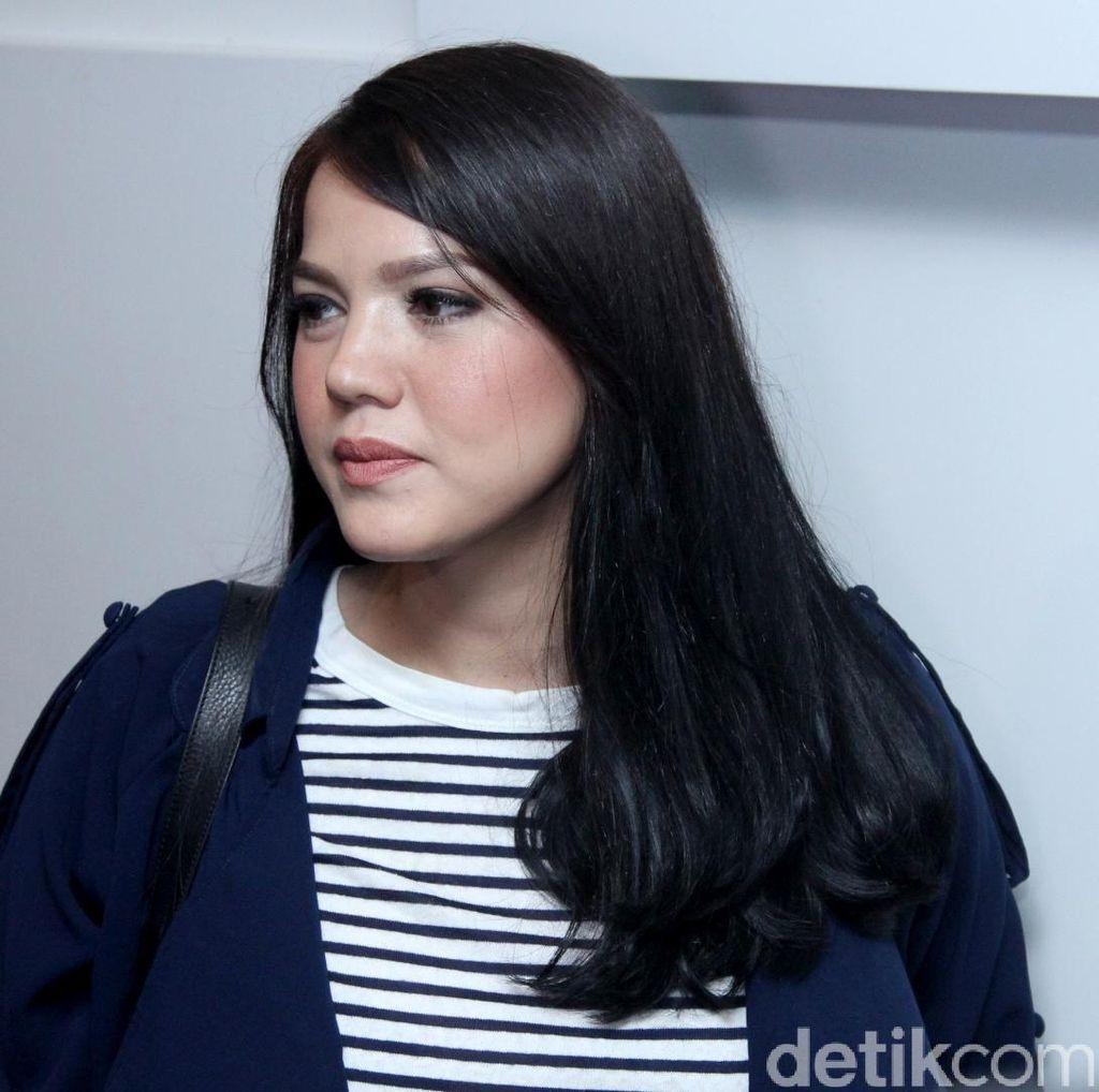 <i>Babymoon</i> ke London dan Amsterdam, Berat Badan Alice Norin Naik 10 Kilo