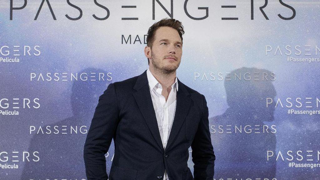 Ketiduran Saat Jaga Anak, Chris Pratt Temukan Putranya Dalam Oven
