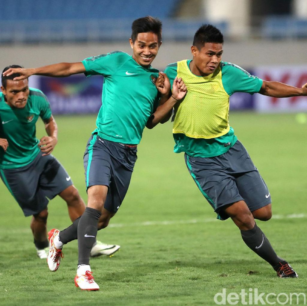 Timnas Indonesia Jajal My Dinh National Stadium