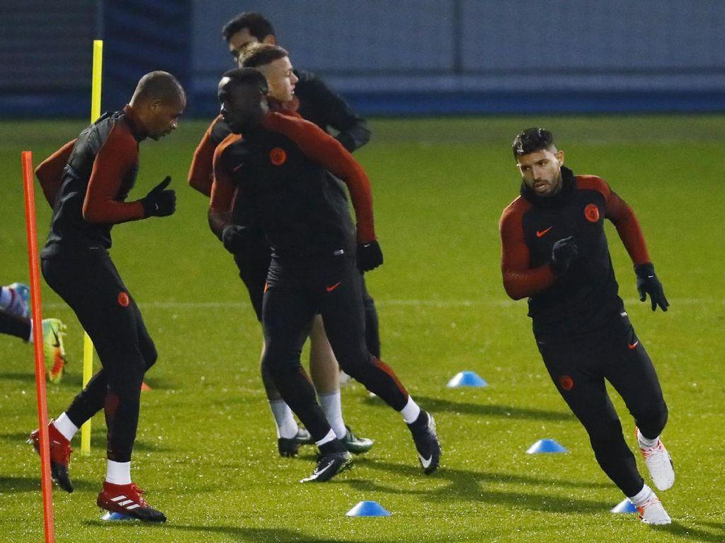 Akan Lakukan Rotasi, Guardiola Belum Putuskan Aguero Main atau Tidak
