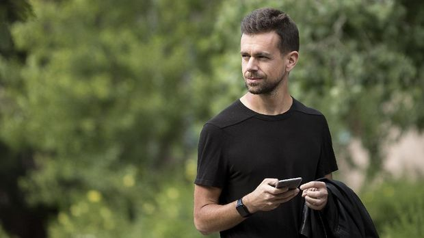 SUN VALLEY, ID - JULY 6: Jack Dorsey, co-founder and chief executive officer of Twitter, attends the annual Allen & Company Sun Valley Conference, July 6, 2016 in Sun Valley, Idaho. Every July, some of the world's most wealthy and powerful businesspeople from the media, finance, technology and political spheres converge at the Sun Valley Resort for the exclusive weeklong conference.   Drew Angerer/Getty Images/AFP