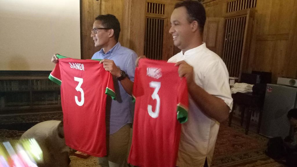 Nobar Indonesia Vs Vietnam, Anies-Sandi Ucapkan Selamat Kepada Timnas