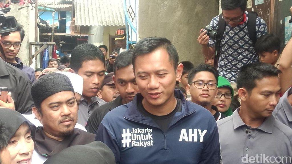 Agus Yudhoyono Blusukan ke Mampang, Warga: Hujan 5 Menit Air Langsung Naik!