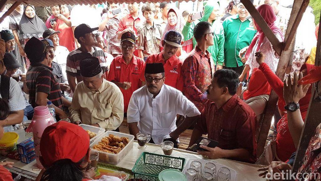 Sambil Minum Kopi, Rano Karno Dengar Curhat Warga Tangerang Soal Banjir