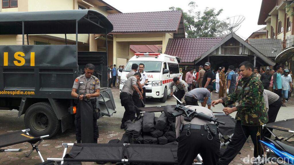 Kapolri Instruksikan Kapolda Aceh All Out Bantu Warga Korban Gempa