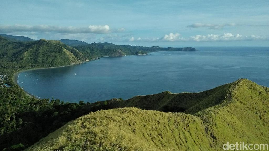 Kisah Pilu di Balik Bukit Cantik Sulawesi Tengah