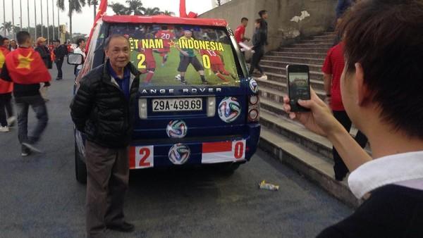 Di Stadion My Dinh: Merahnya Suporter Garuda Berbaur Vietnam Berjayalah