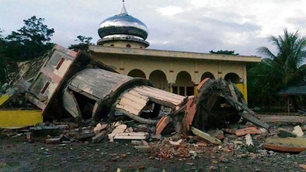 Twitter Dibanjiri Doa untuk Korban Gempa Aceh