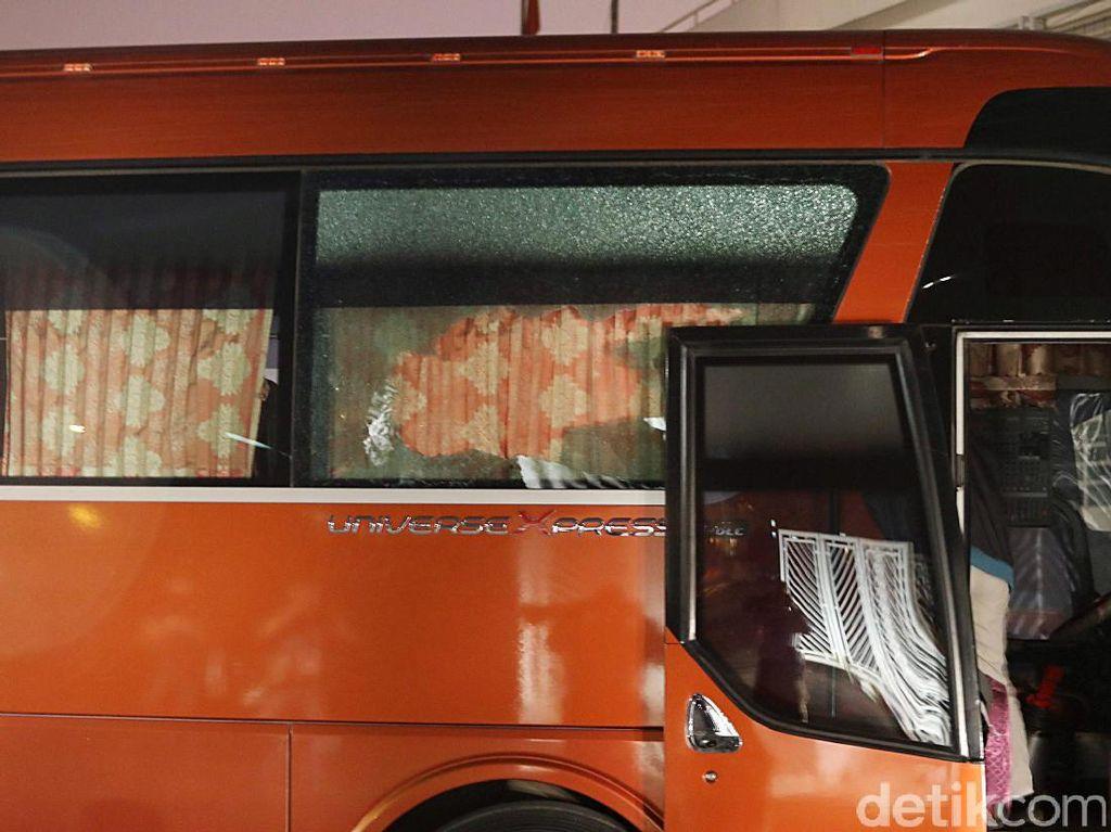 Dilempari Batu Oleh Suporter Vietnam, Begini Kondisi Bus Timnas 'Garuda'