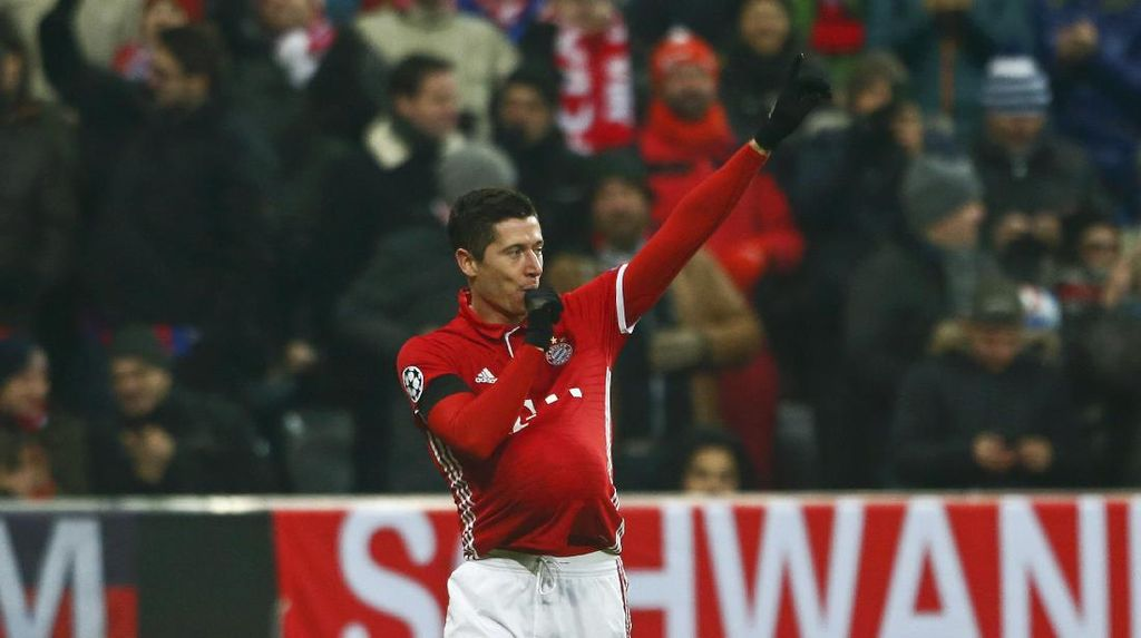 Perayaan Gol Spesial Robert Lewandowski