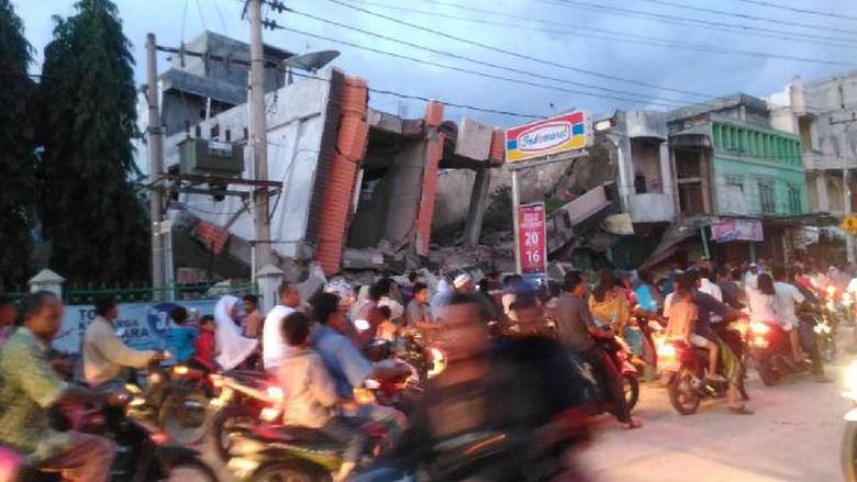 Gempa 6,4 SR di Aceh, Begini Potret Kepanikan Warga dan Bangunan yang Rusak