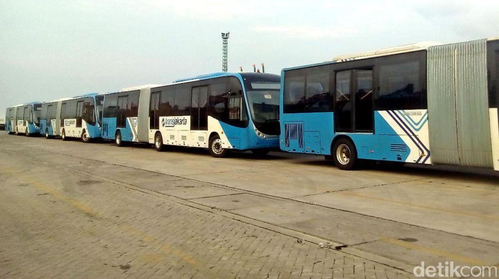 23 Bus Zhongtong Baru Parkir di Tj Priok, ini Penjelasan Dirut TransJ