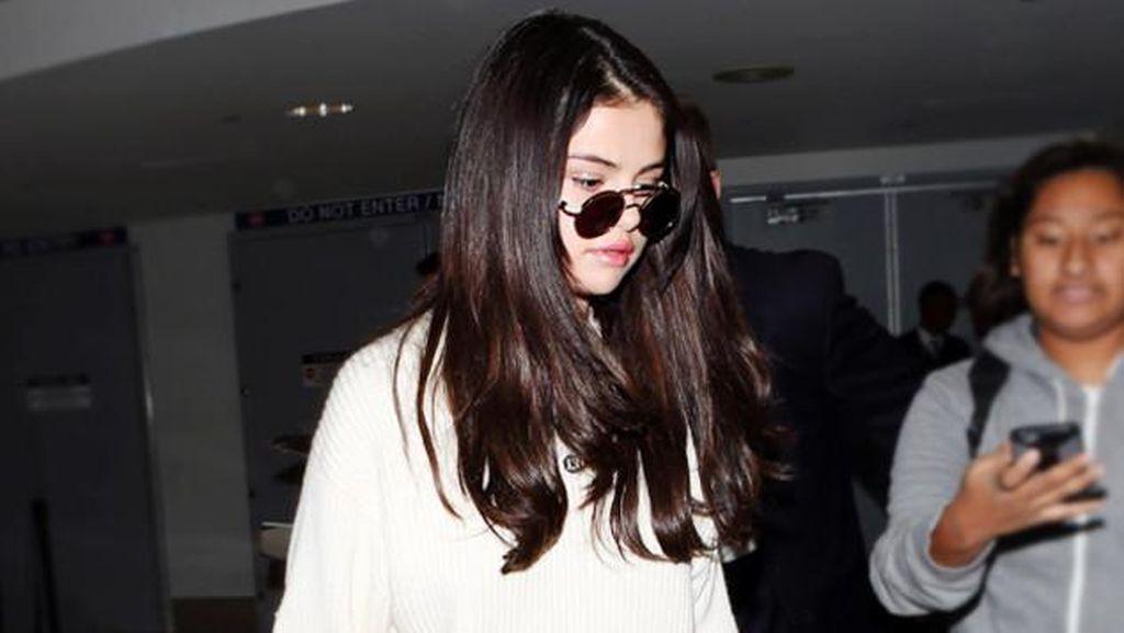 Hot Trend: Selena Gomez Sampai Kendall Jenner Pakai Boots Rp 7,3 Juta Ini