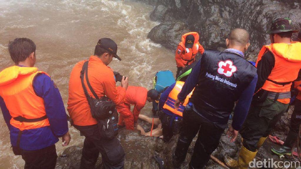 Remaja yang Tenggelam di Air Terjun Brebes Berhasil Ditemukan