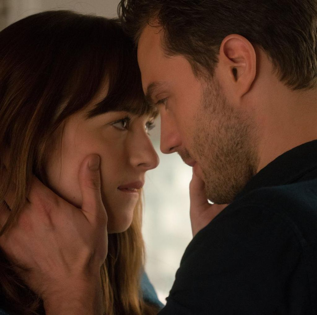 Adegan Bercinta di Lift ala Trailer Baru Fifty Shades Darker
