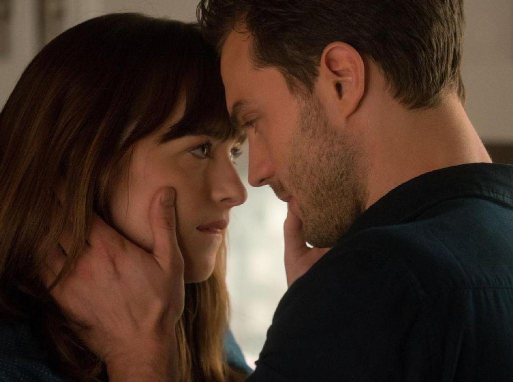 Adegan Bercinta di Lift ala Trailer Baru Fifty Shades Darker