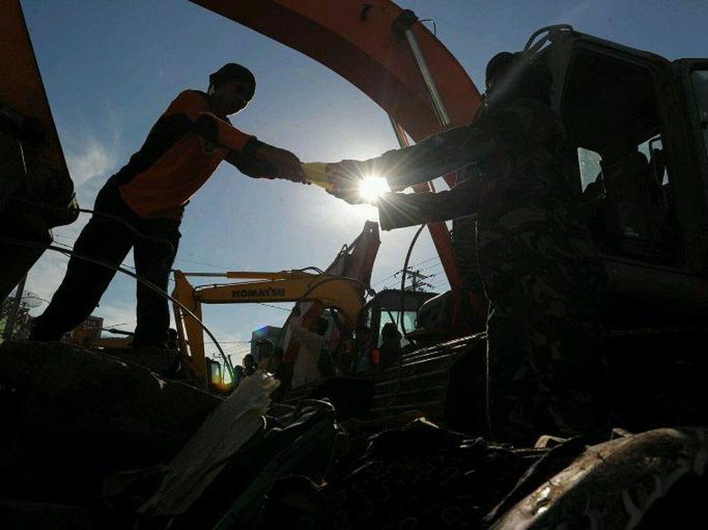 Evakuasi Korban Gempa Aceh Terus Dilanjutkan