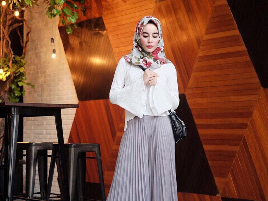 Foto: Ini Celana yang Tren Dipakai Selebgram Hijab