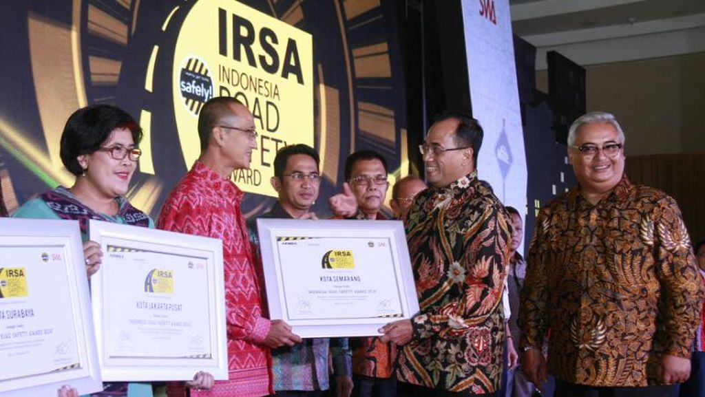 Pengguna Angkutan Umum Meningkat, Kota Semarang Diganjar Penghargaan