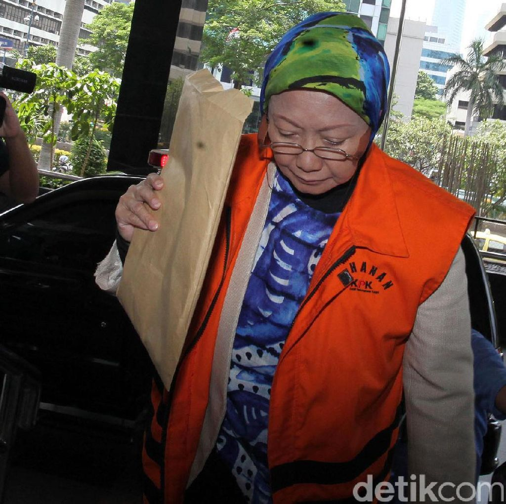 Atty Suharti Diperiksa Perdana Terkait Kasus Suap Pembangunan Pasar Cimahi
