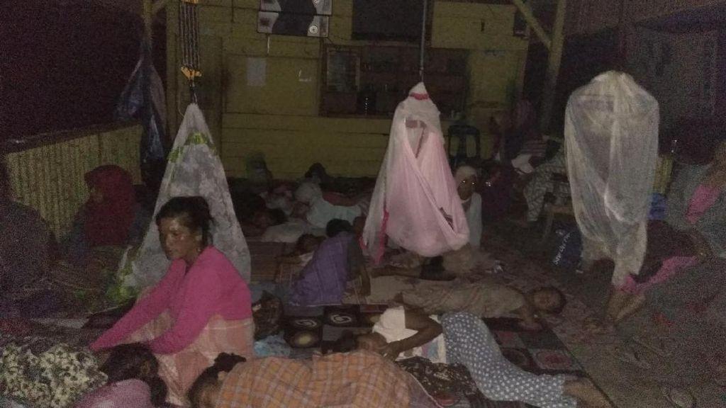 Trauma, Sebagian Korban Gempa di Pidie Jaya Masih Bertahan di Pengungsian