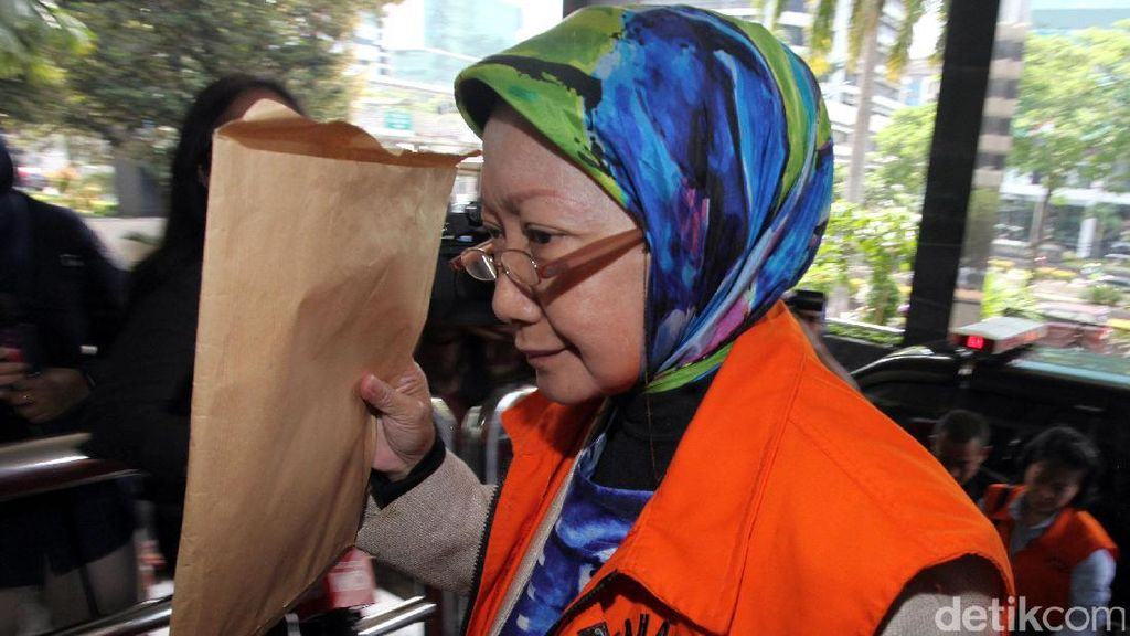 Atty Suharti Diperiksa Terkait Kasus Suap Pembangunan Pasar Cimahi