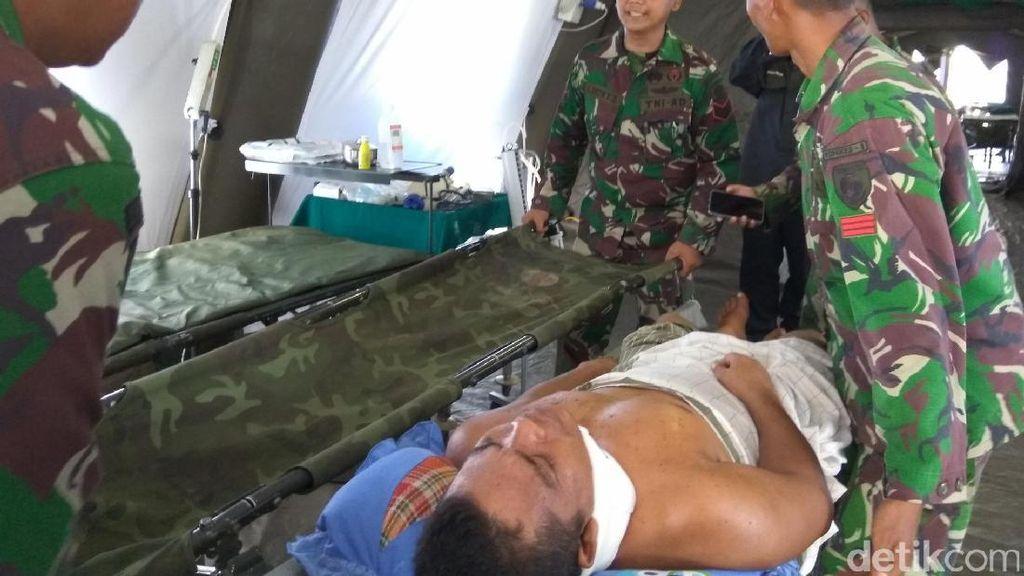 Melihat Sigapnya Prajurit TNI Tangani Korban Gempa Aceh di RS Darurat