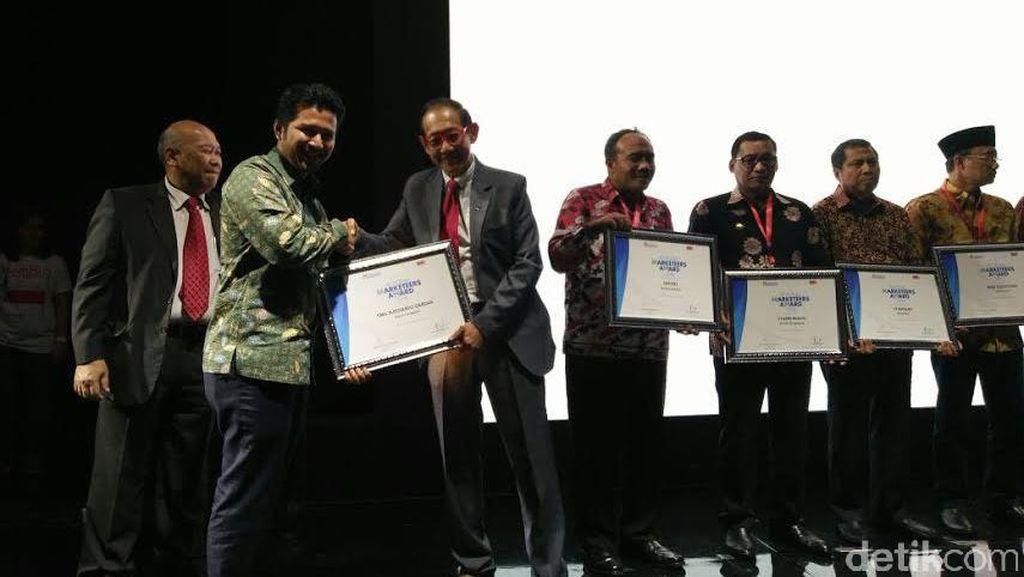 Bupati Trenggalek Raih Penghargaan Regional Marketeers Award 2016
