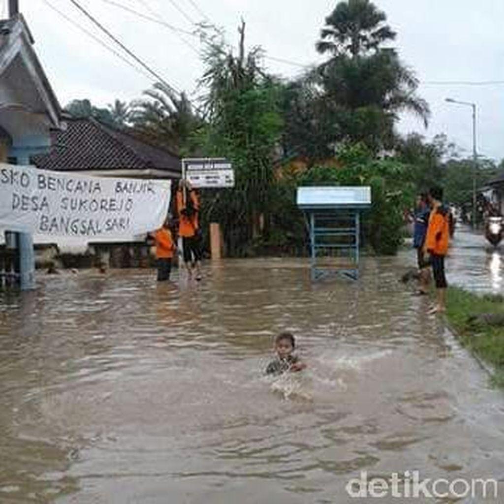 Hujan Semalaman, Ribuan Rumah di Jember Kembali Banjir