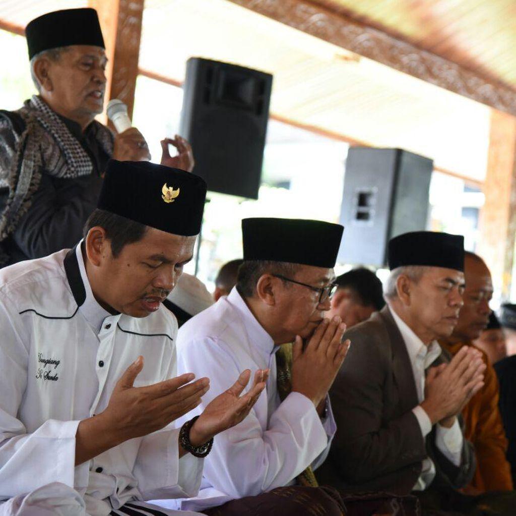 Doa Masyarakat Lintas Agama Purwakarta untuk Korban Gempa Aceh