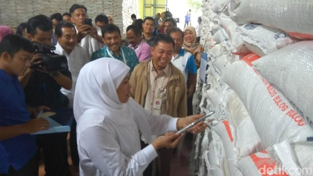 Mensos Pastikan Stok Beras untuk Korban Gempa Aceh Cukup dan Layak Konsumsi