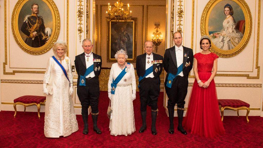 Cantiknya Kate Middleton Memakai Tiara Favorit Puteri Diana