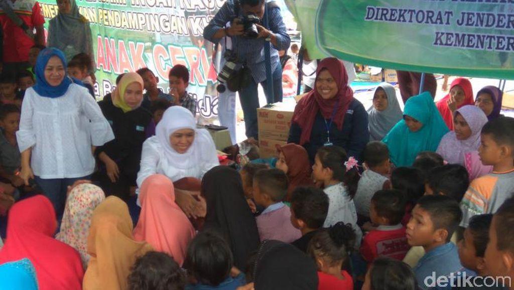 Temui Korban Gempa Aceh, Mensos Beri Motivasi ke Anak-anak di Pengungsian