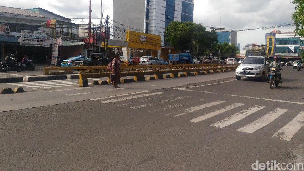 Ada Zebra Cross di Busway, Dishub DKI: Belum Ada Anggaran untuk Bangun JPO