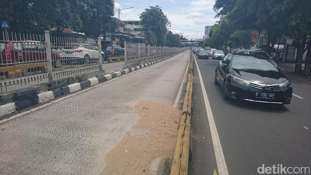 Detail Kejadian Pejalan Kaki Tertabrak TransJ di Mampang