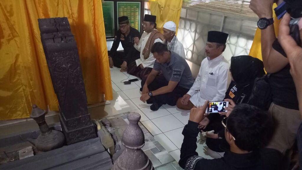 Ziarah ke Makam Tubagus Angke, Agus Yudhoyono Janji Urus Cagar Budaya