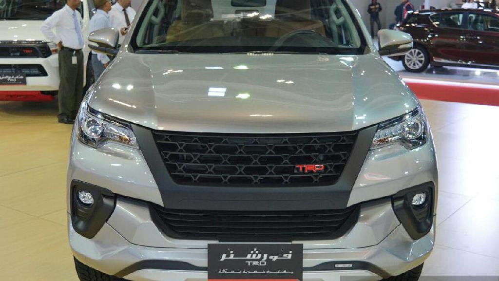 Di Oman, Toyota Pamer Fortuner TRD Bermesin V6 4.000 cc