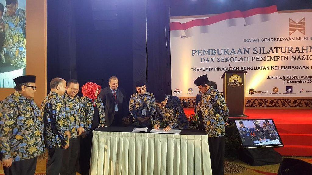 ICMI Luncurkan Travel Umrah