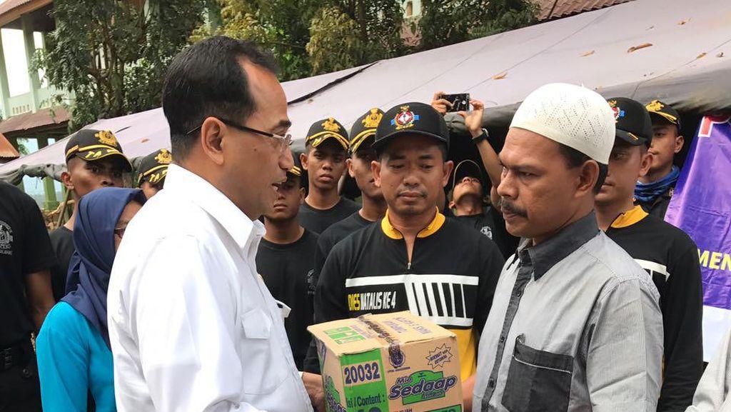 Menhub Pastikan Angkutan Logistik untuk Korban Gempa Aceh Berjalan Lancar