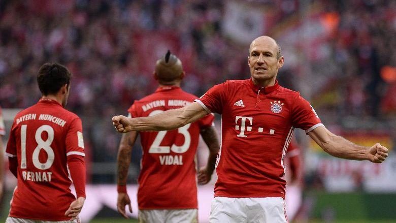 """Bandar Bola - Bayern Optimistis Arjen Robben Bertahan"""