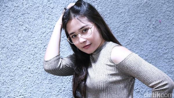 Prilly Latuconsina Yakin Indonesia Jadi Juara Piala AFF 2016