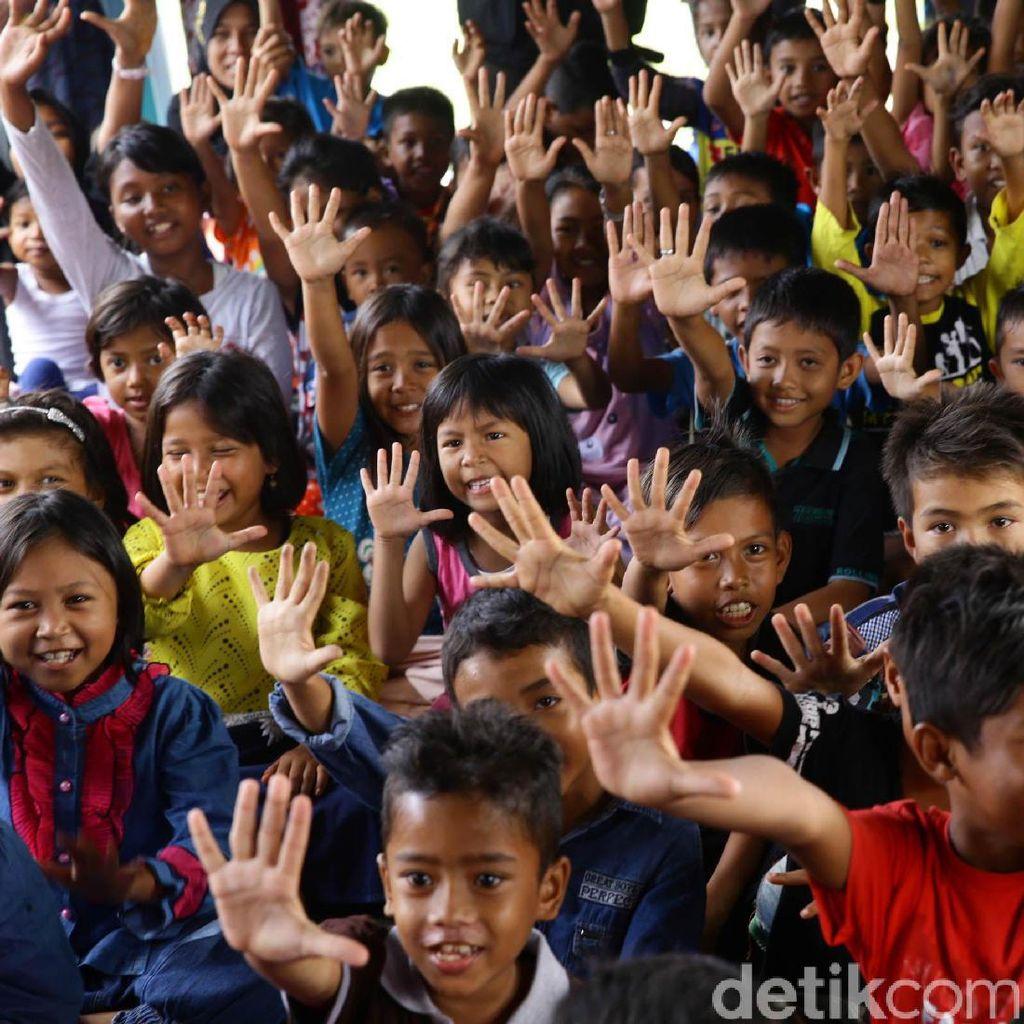 Trauma Healing untuk Anak-anak Korban Gempa di Aceh