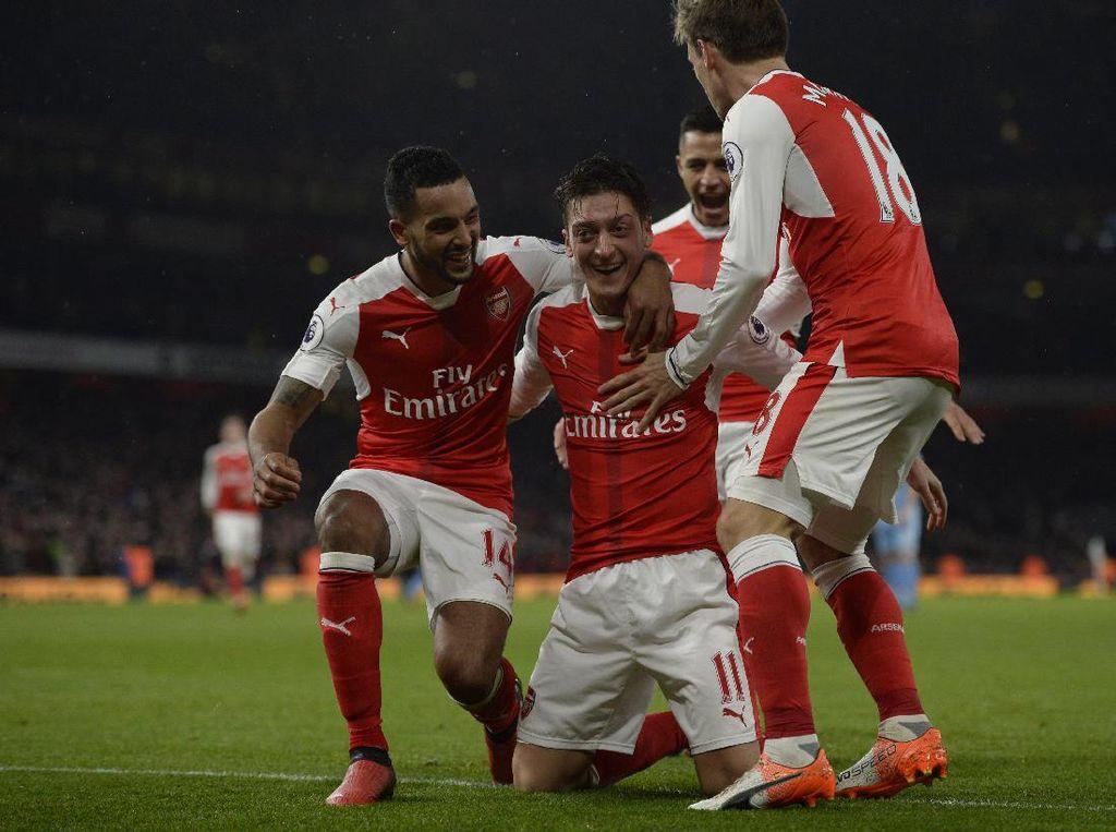Arsenal Kalahkan Stoke 3-1