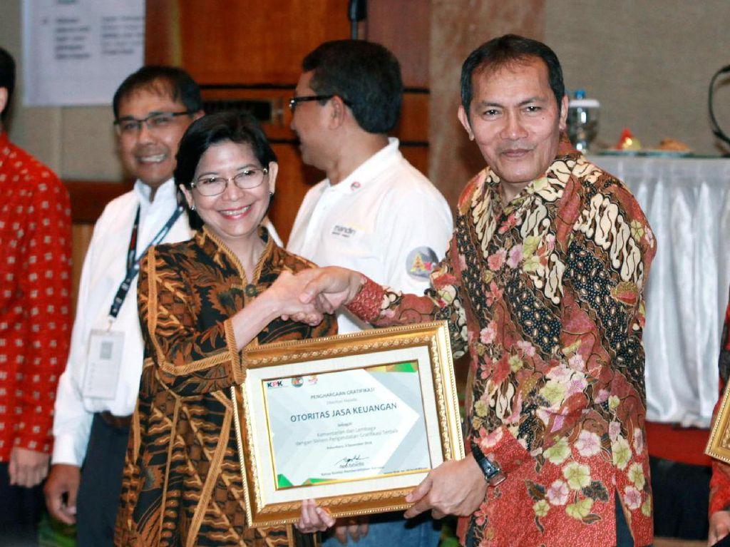 OJK Raih Penghargaan Sistem Pengendalian Gratifikasi