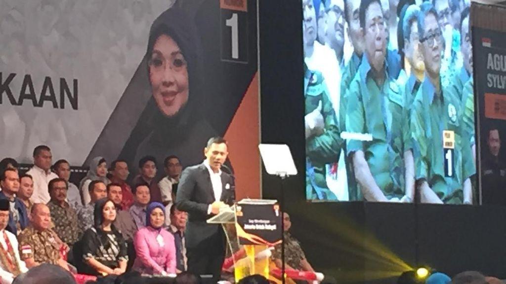 Di Depan Purnawirawan TNI, Agus Bicara Beda Dunia Militer dan Politik