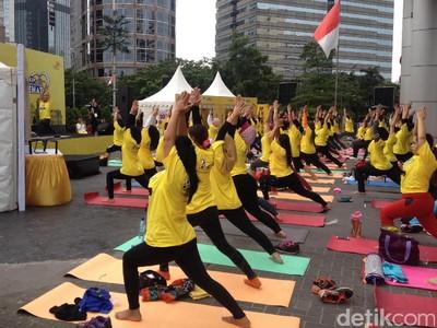 Begini Serunya Yoga Bersama Anjasmara