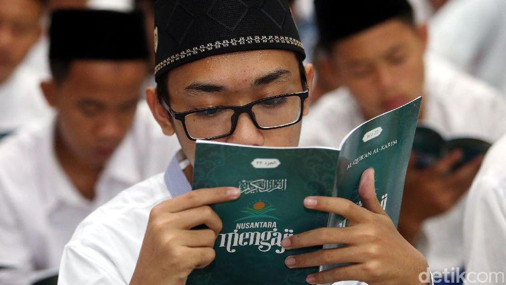 Sambut Maulid Nabi, Warga Cibinong Gelar Khataman Akbar