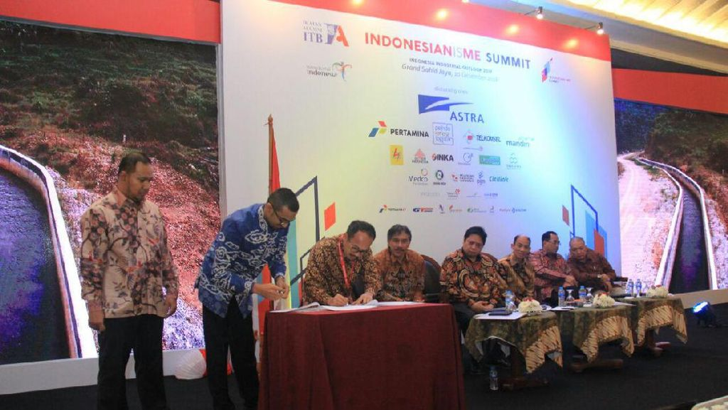 PLN Jawa Barat Teken MoU Pembelian Listrik dari Pembangkit Mikro Hidro di Garut