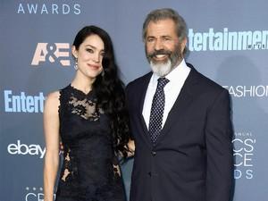 Mel Gibson Dikaruniai Anak ke-9 dari Kekasih Berusia 26 Tahun