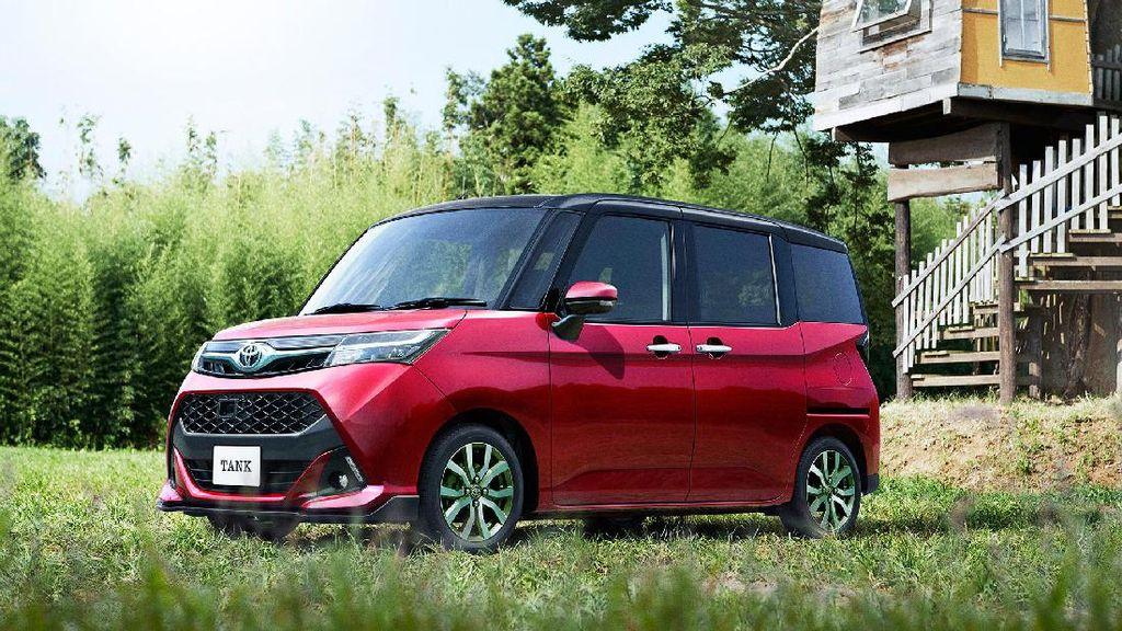 Minivan Kembar Berwajah Sangar Toyota